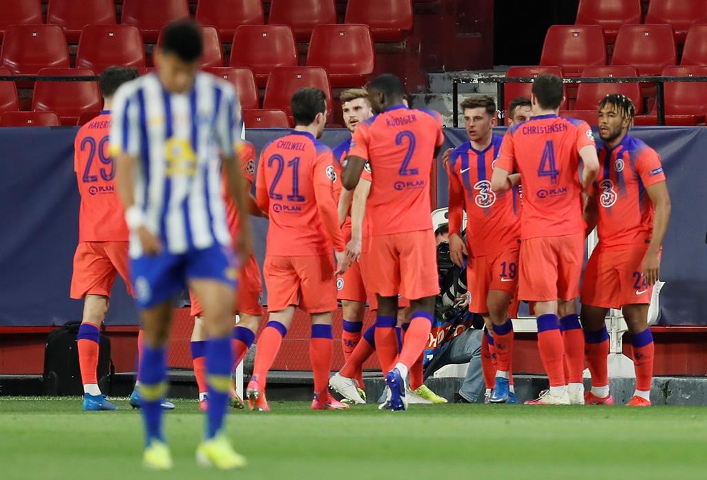 Mason Mount marcou o primeiro golo do Chelsea contra o FC Porto. Foto: José Manuel Vidal/EPA