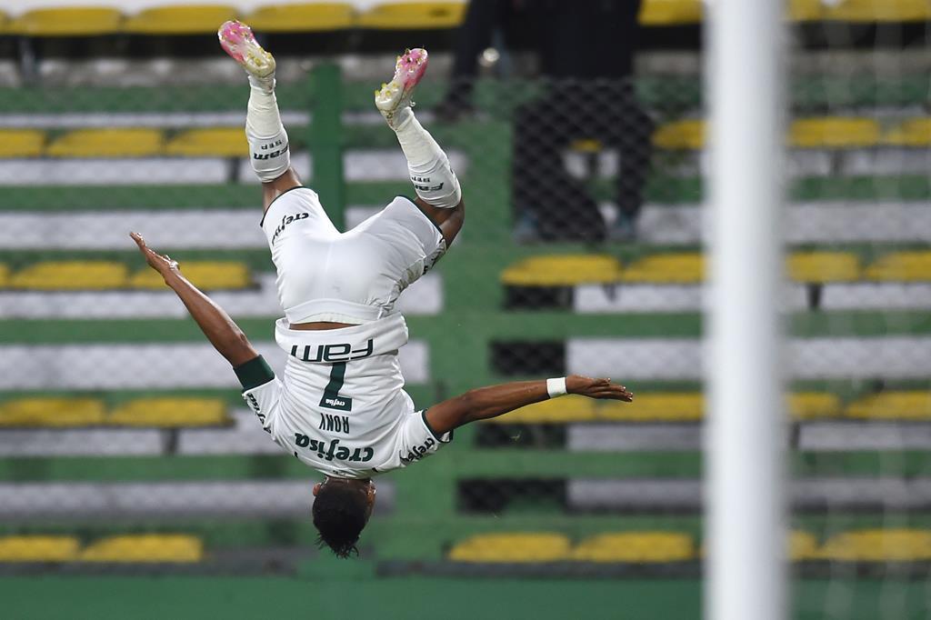 Rony marcou o primeiro golo do Palmeiras. Foto: Marcelo Endelli/Pool/EPA