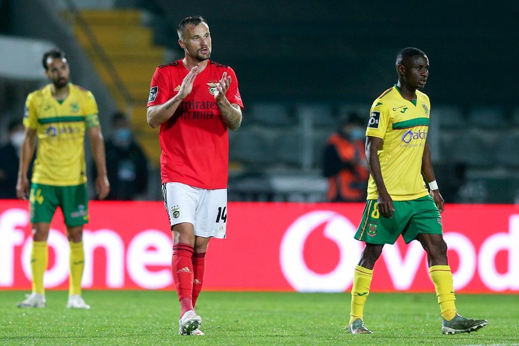 Seferovic, do Benfica, marcou dois golos e duas assistências ao Paços de Ferreira. Foto: José Coelho/Lusa