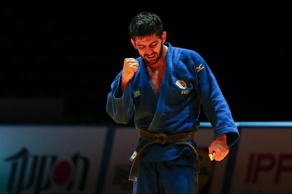 João Crisóstomo subiu ao pódio. Foto: Nuno Veiga/Lusa