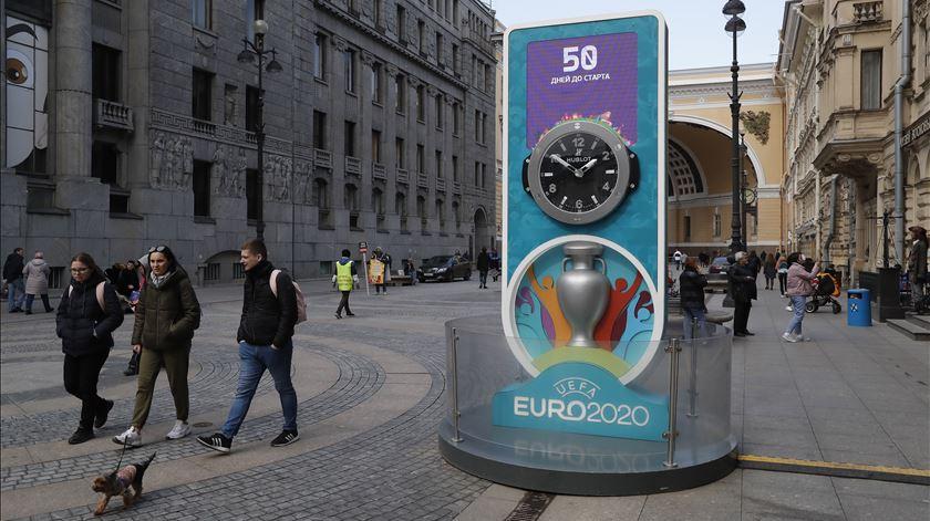 Contagem decrescente para o Euro 2020 em São Petersburgo. Foto: Anatoly Maltsev/EPA