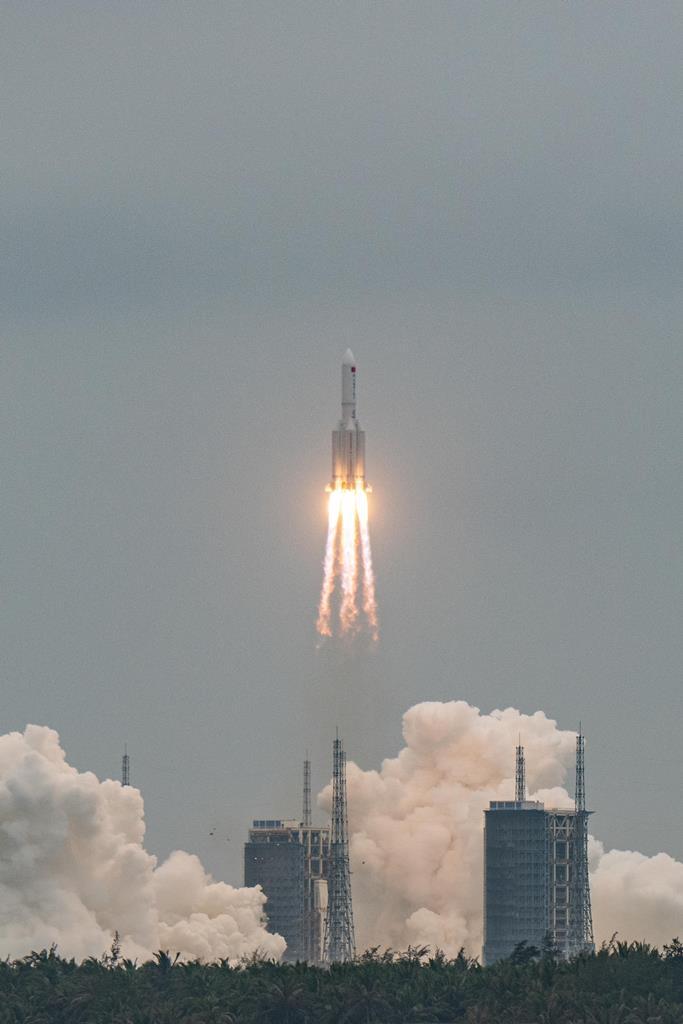 China lança o foguetão Grande Marcha 5B, com um módulo da estação espacial Tianhe. Foto: Matjaz Tancic/EPA