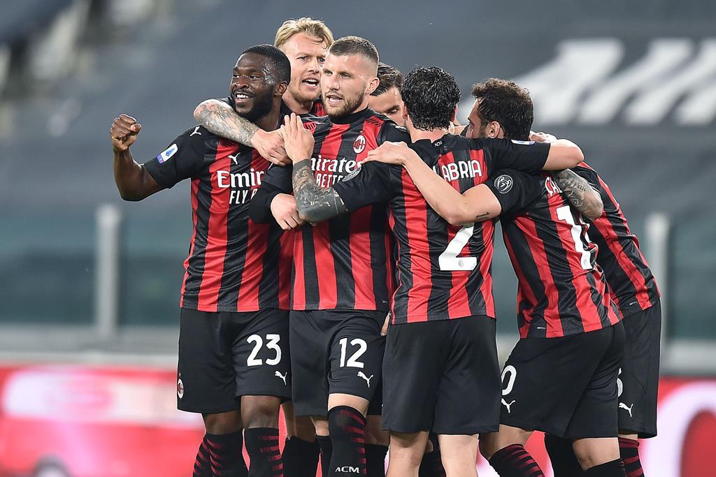 Rebic, ao centro, marcou um dos golos do Milan à Juventus. Foto: Alessandro Di Marco/EPA