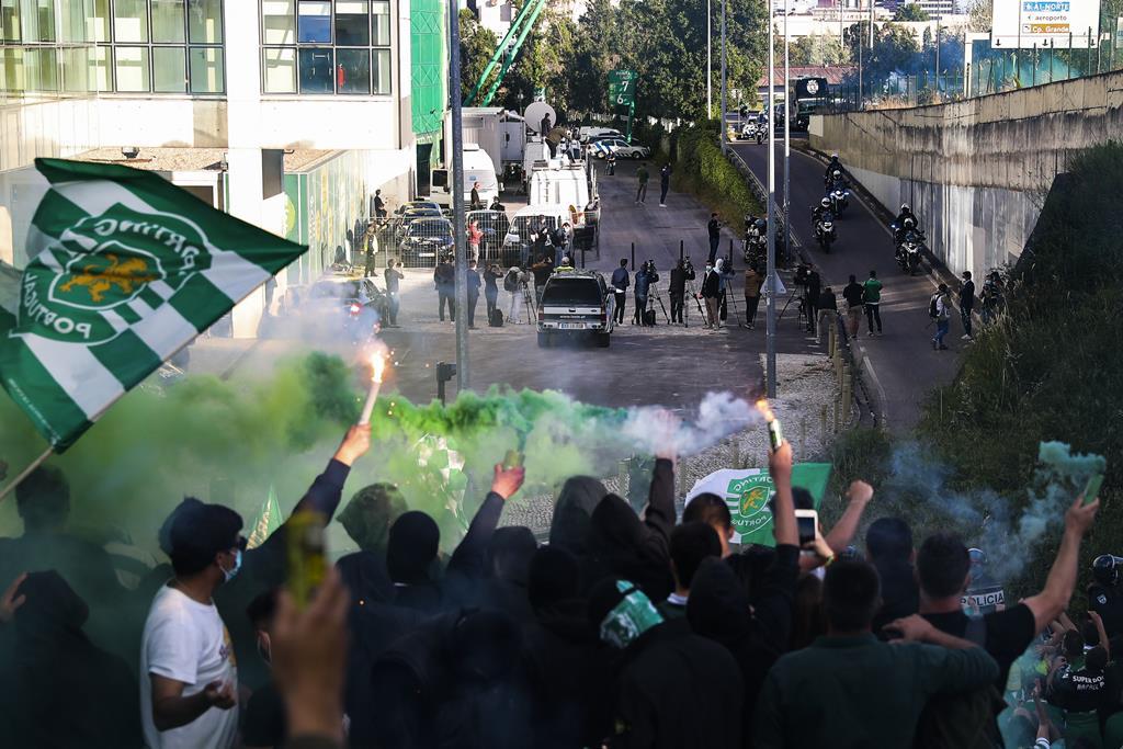 Adeptos do Sporting em antecipação da festa do título. Foto: Miguel A. Lopes/Lusa