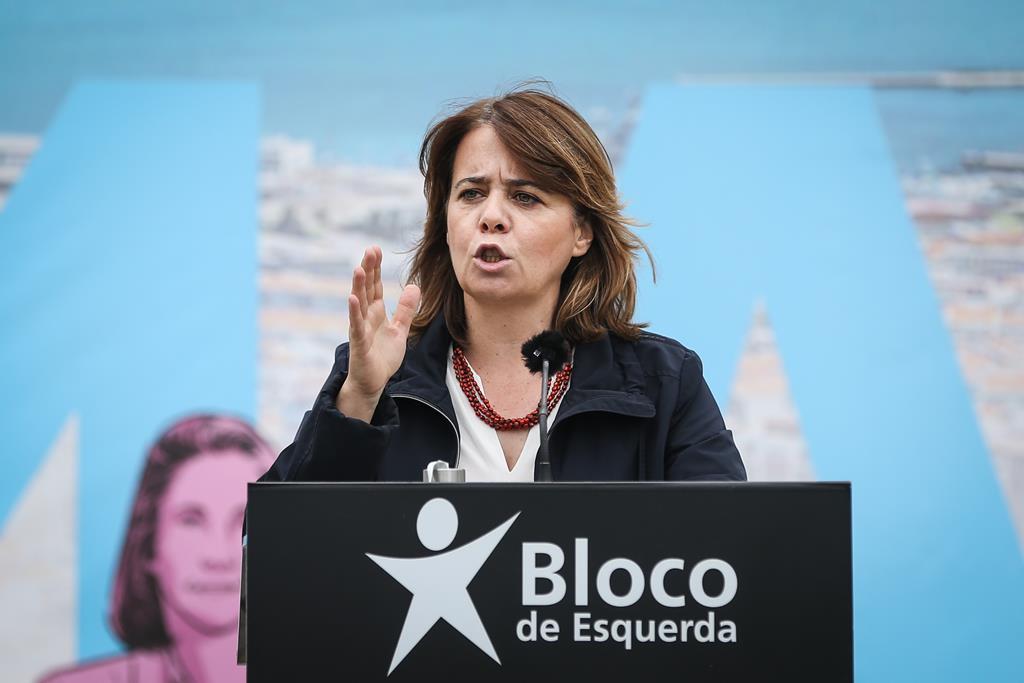 Catarina Martins diz que o parlamento deve perceber exatamente o que tem acontecido e tirar consequências. Foto: Rodrigo Antunes/Lusa