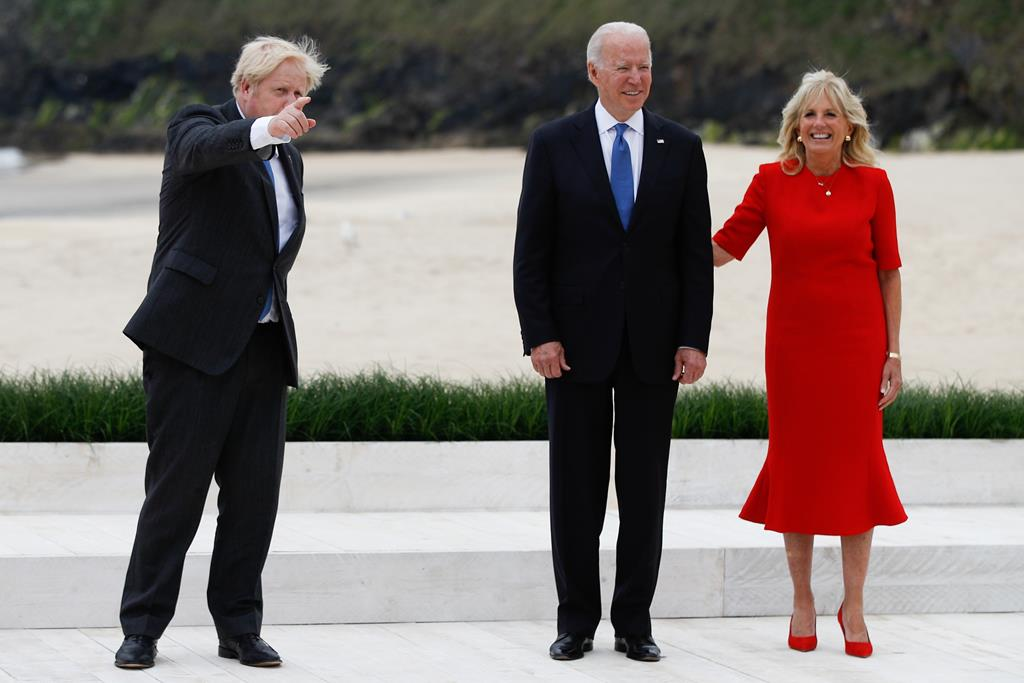 Boris Johnson e Joe Biden na cimeira do G7 na Cornualha. Foto: Phil Noble / Pool/EPA