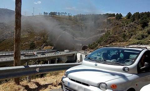 Incêndio num carro obriga ao corte do Túnel do Marão