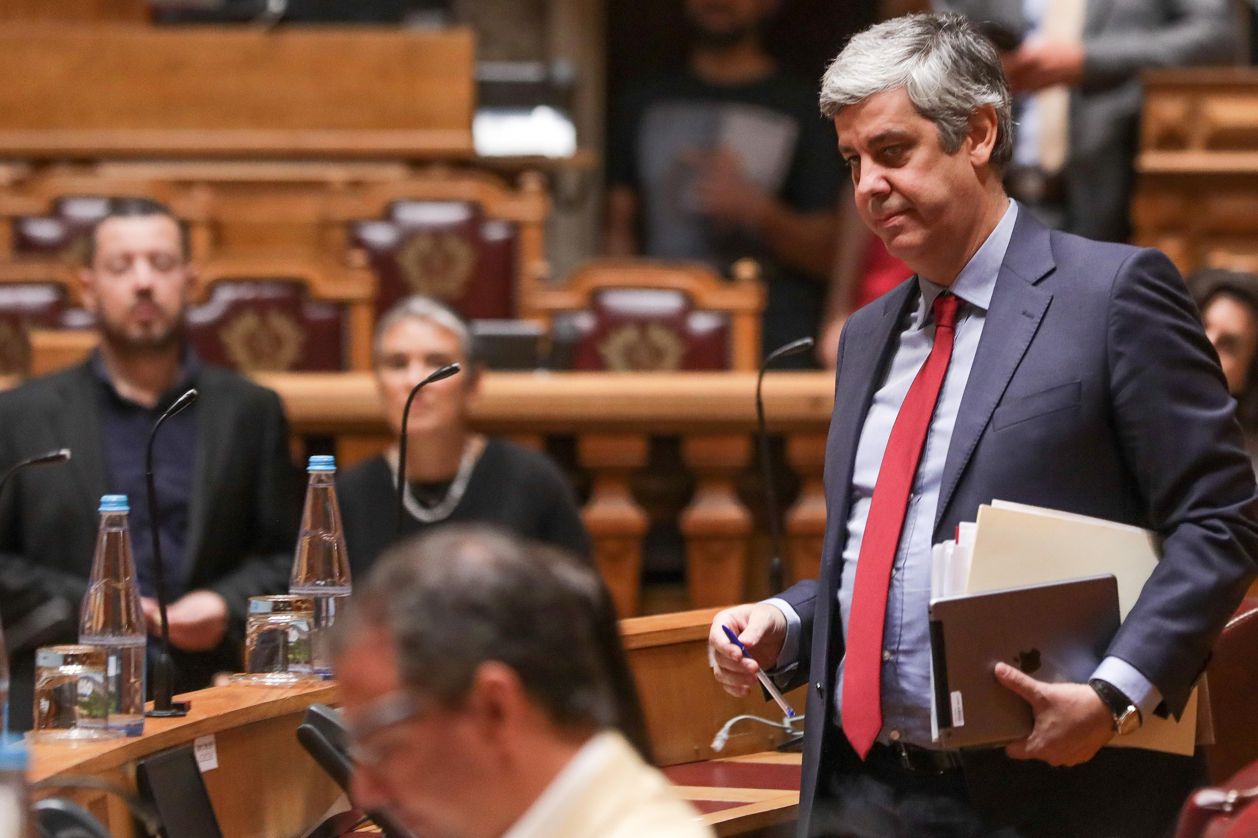 Reforço de verbas para incêndios sem impacto no défice, garante Centeno