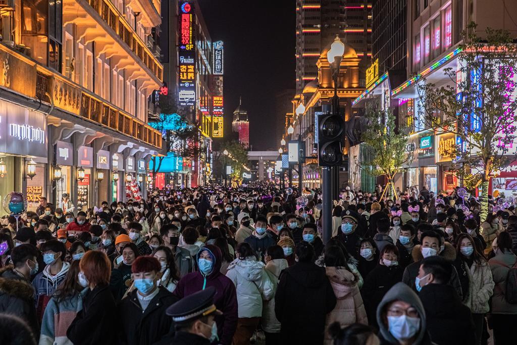 Equipa da OMS está em Wuhan para investigar a pandemia. Foto: Alex Plaveski/EPA