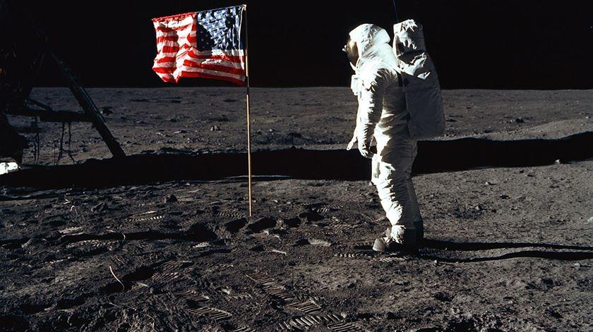 Austronautas americanos podem regressar à Lua dentro de cinco anos