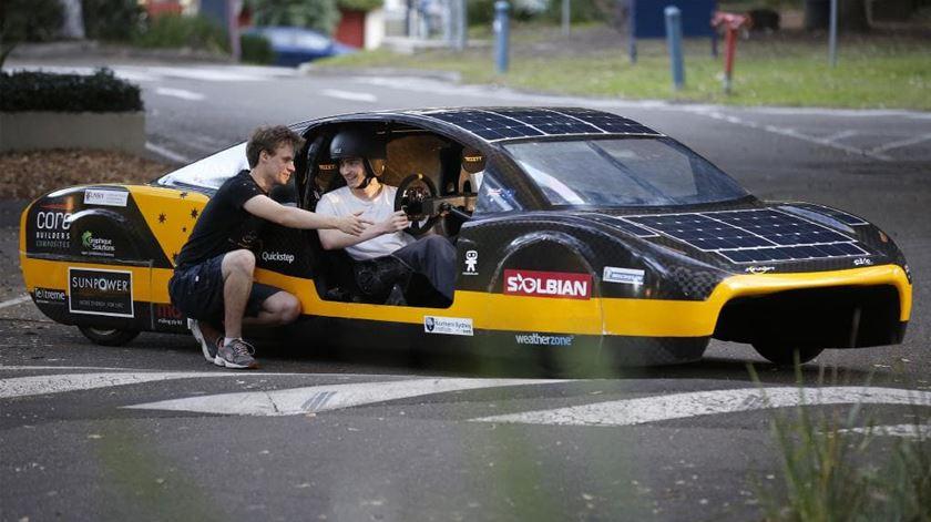 Pode um carro andar 4.100 quilómetros por menos de 30 euros?