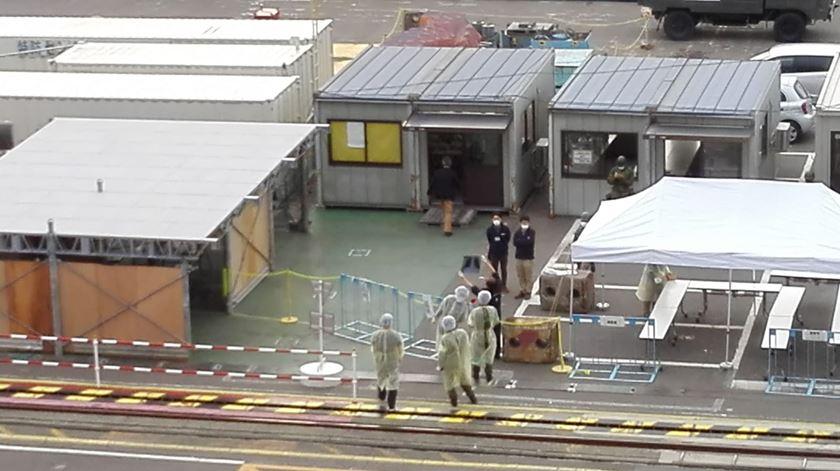 """""""Estou a entrar em desespero"""". Pelo menos dois portugueses infetados em navio retido no Japão"""