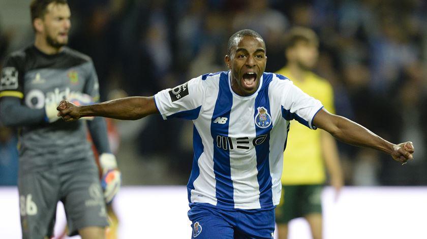 Gaspar lamenta possível saída de Ricardo Pereira, mas aceita se render milhões ao Porto