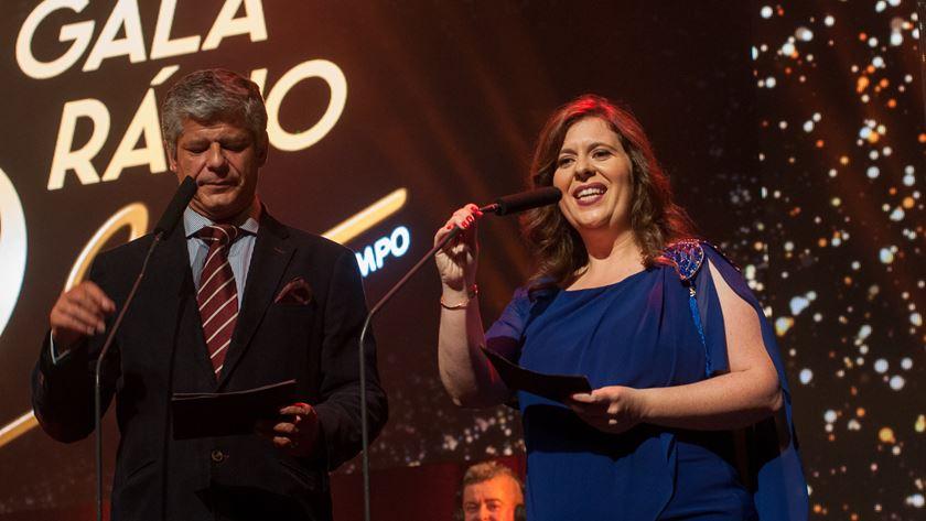 José da Câmara e Marisa Gonçalves, da Rádio Sim