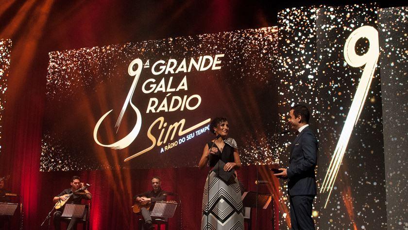 Rute Fragoso e José Manuel Monteiro, da Rádio Sim