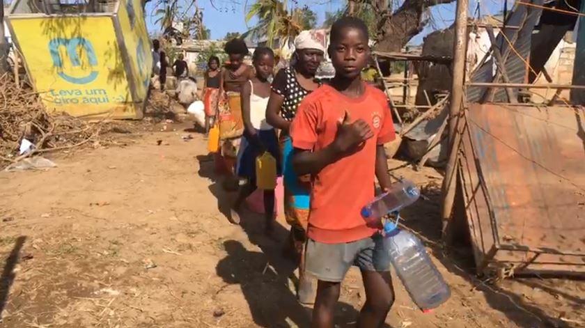 """Força conjunta portuguesa em Búzi presta """"auxílio notável à população"""""""