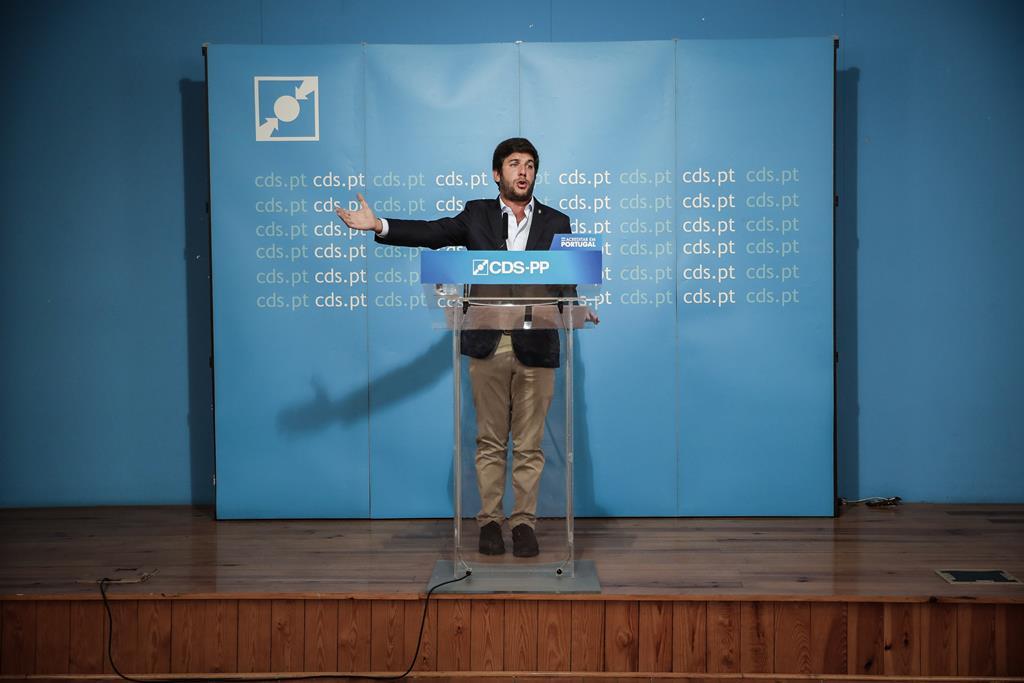 Francisco Rodrigues dos Santos está a perder a maioria no partido. Foto: Mário Cruz/Lusa