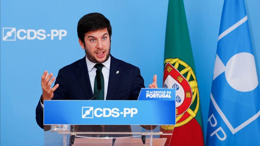 Documento assinado pelas estruturas locais do CDS nos Açores contradizem o líder nacional, Francisco Rodrigues dos Santos.  Foto: António Cotrim/Lusa