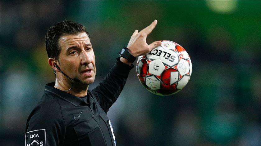 Hugo Miguel dará o apito oficial para a retoma da Primeira Liga