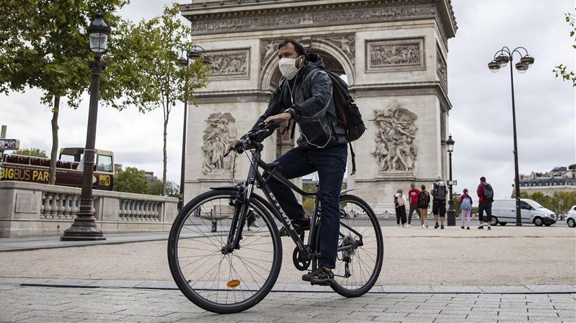 França regista 27 mortes e 11.123 infeções nas últimas 24 horas