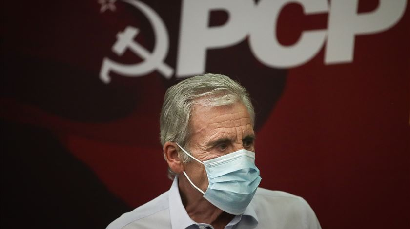 "PCP avisa que será ""mau sinal"" se Governo ""rasgar"" acordo sobre salário mínimo"