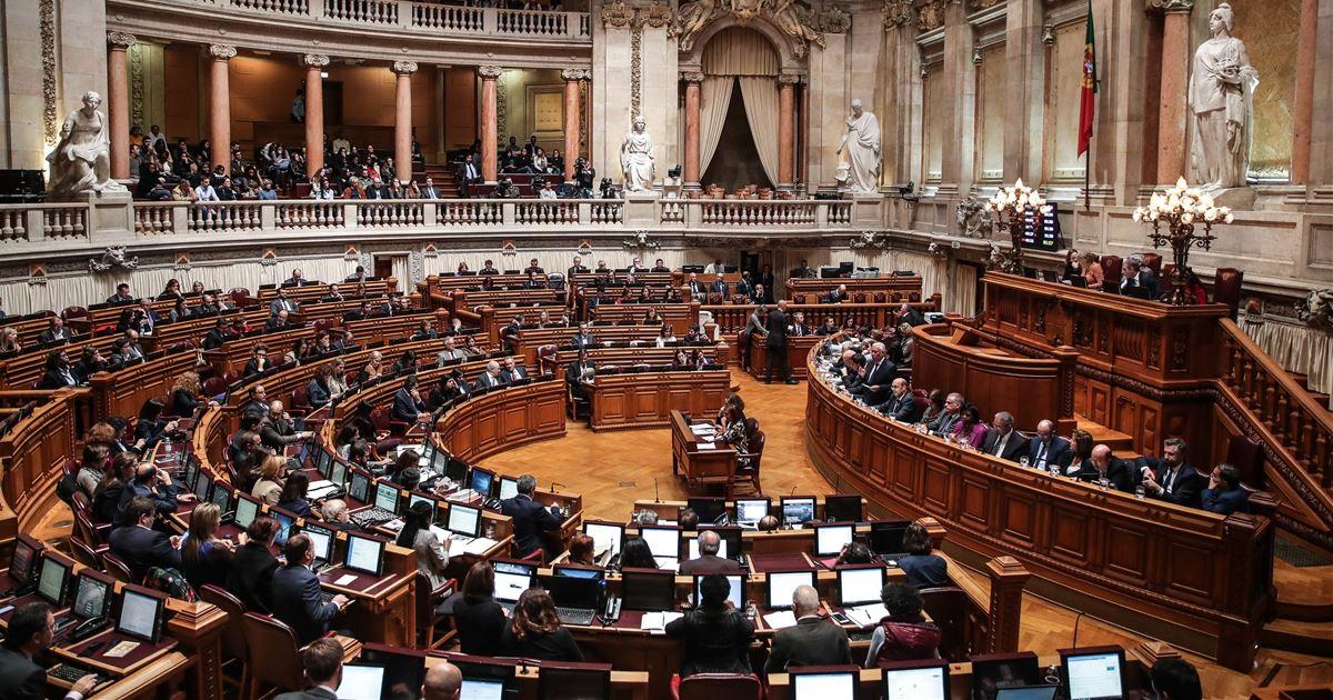 """Resultado de imagem para Parlamento diz """"sim"""" à despenalização da eutanásia"""