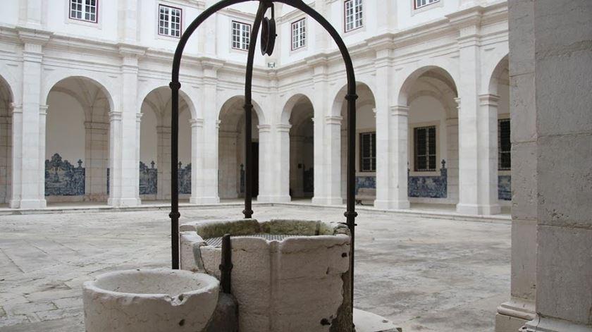 Junto ao poço, os monges faziam a tonsura, o corte de cabelo celebrizado por Santo António. Foto: MSVF