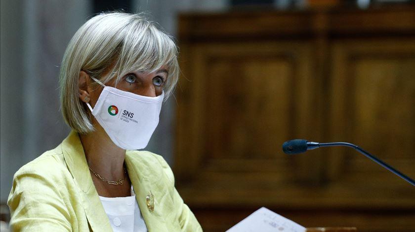 """Ministra da Saúde assegura que SNS tem """"capacidade de adaptar respostas às necessidades"""""""