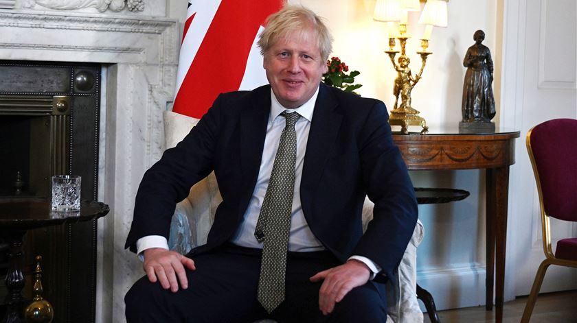 """Brexit. Boris Johnson defende """"nova era de cooperação"""" com a UE"""