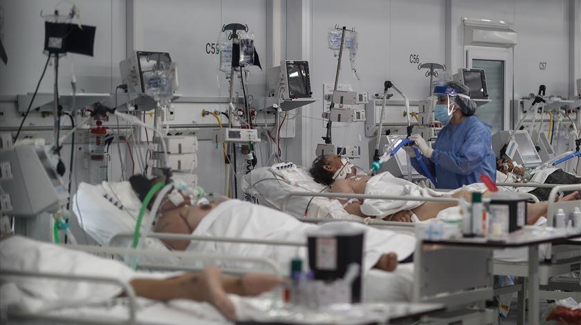 Covid-19. 7,5% dos profissionais de saúde já foram infetados