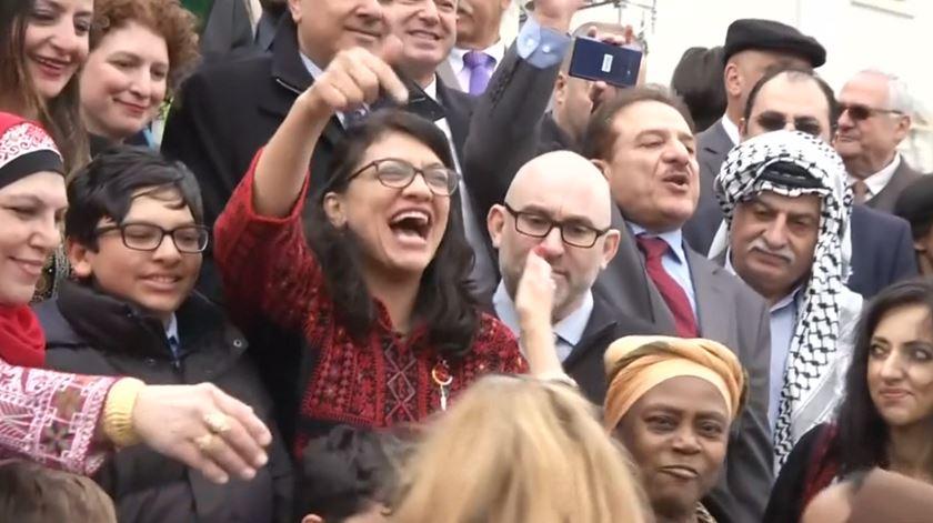 Rashida Tlaib. A congressista que usou vernáculo para apelar à destituição de Trump