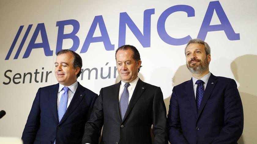 Espanhol ABANCA compra Eurobic e abre portas à saída de Isabel dos Santos