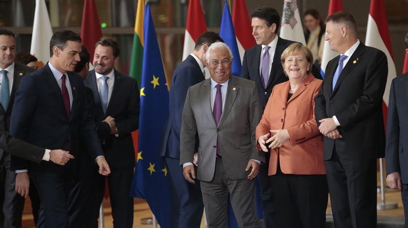 """Neutralidade carbónica. Costa """"90% satisfeito"""" por UE acompanhar Portugal"""