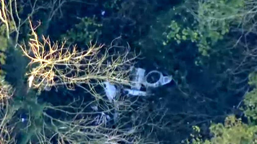 Inglaterra. Colisão entre avioneta e helicóptero faz quatro mortos
