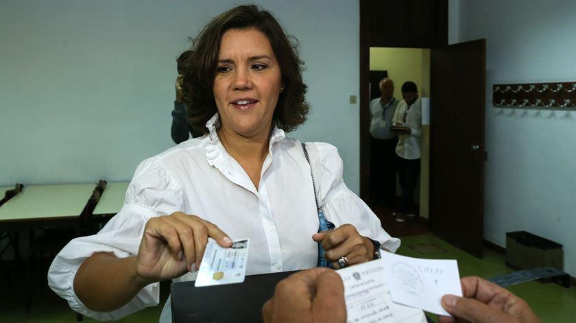 """""""Há muitas horas para votar. É possível fazer-se tudo e também passar pela mesa de voto."""" Foto: António Cotrim/Lusa"""