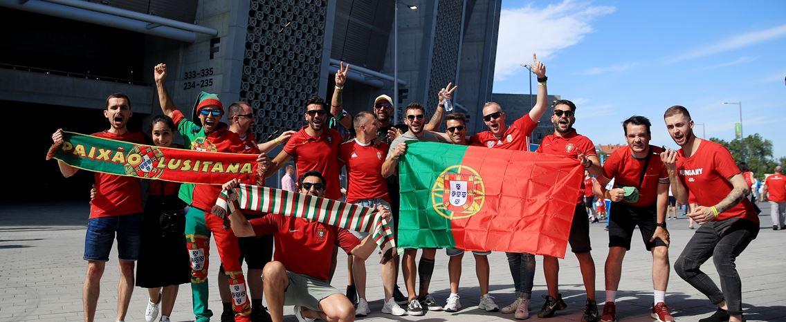 Seis mil portugueses e 60 mil húngaros enchem estádio pela primeira vez no Euro