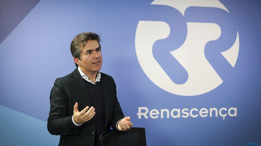 """CDS quer que portugueses cumpram o seu """"projeto de felicidade"""" e propõe baixar IRS para famílias"""