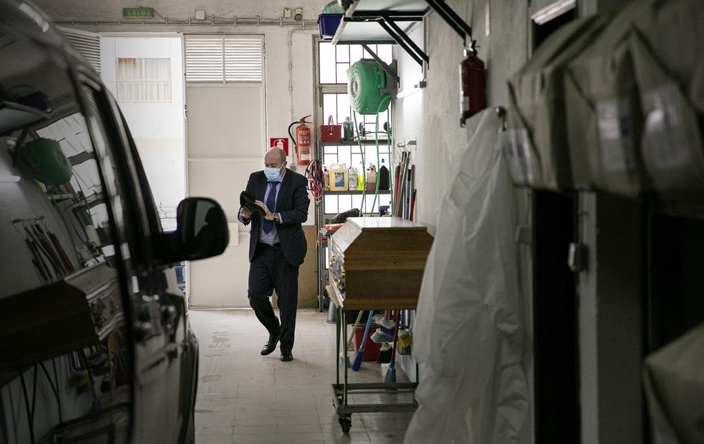 Paulo Andrade trabalha no negócio dos funerais há 35 anos.