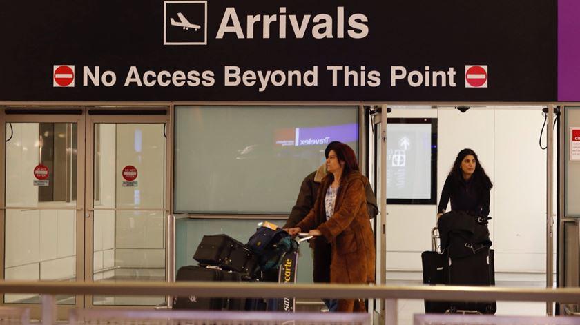Aeroporto de Boston, EUA. Foto: CJ Gunther/EPA