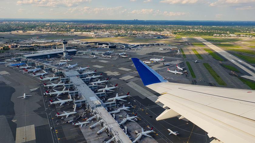 Aeroportos de Nova Iorque podem ficar submersos até 2100