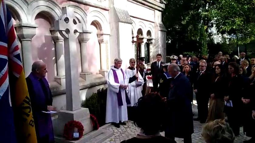 Soldados mortos em combate homenageados no cemitério britânico da Estrela