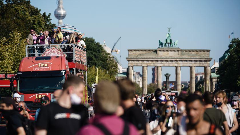 Alemanha com mais de dois mil casos e 15 mortos nas últimas 24 horas