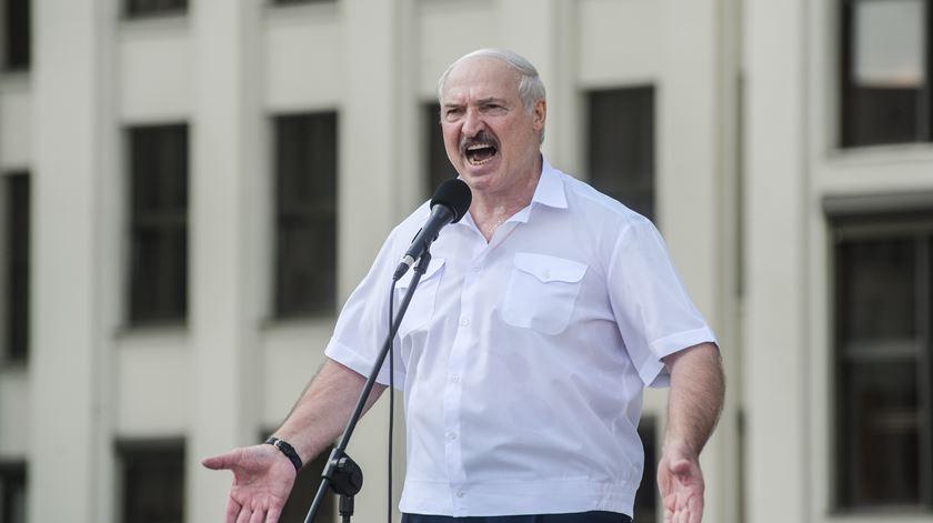 Reino Unido aprova sanções contra Lukashenko, o filho e outros membros do regime
