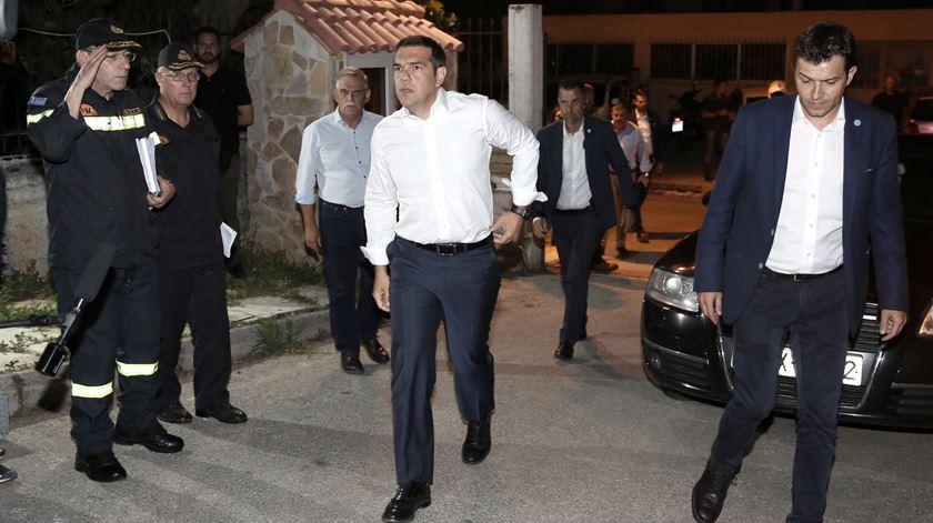 Tsipras assume responsabilidade política pelos fogos na Grécia