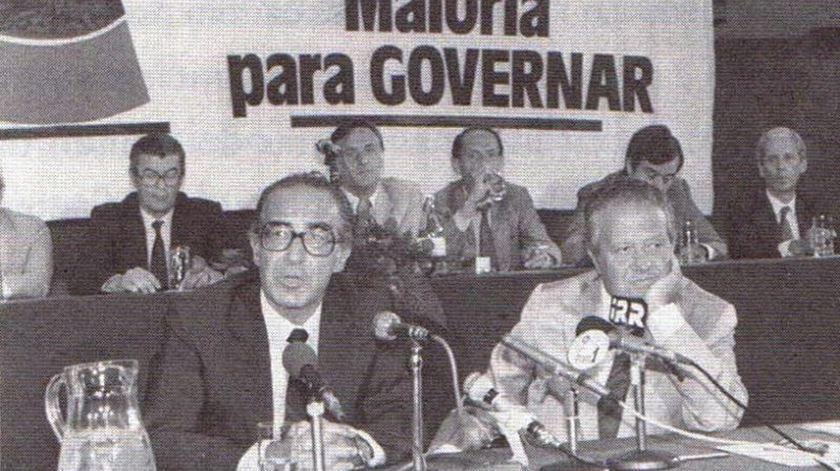 Em 1985, Almeida Santos pediu maioria absoluta para o PS. Foto: D.R.