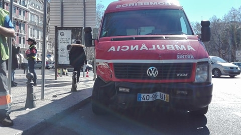 Acidente com autocarro de turismo faz 12 feridos em Lisboa