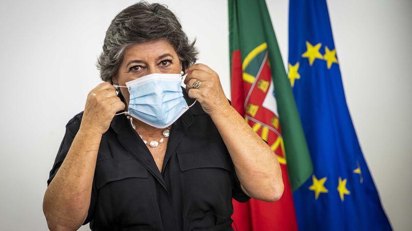"""Ana Gomes aparece ao lado de Elisa Ferreira, mas diz que comissária """"não pode nem deve"""" dar apoio"""