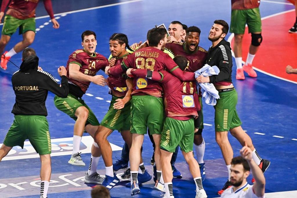 Seleção de andebol venceu a França e garantiu apuramento inédito para os Jogos Olímpicos Tóquio Foto: IHF
