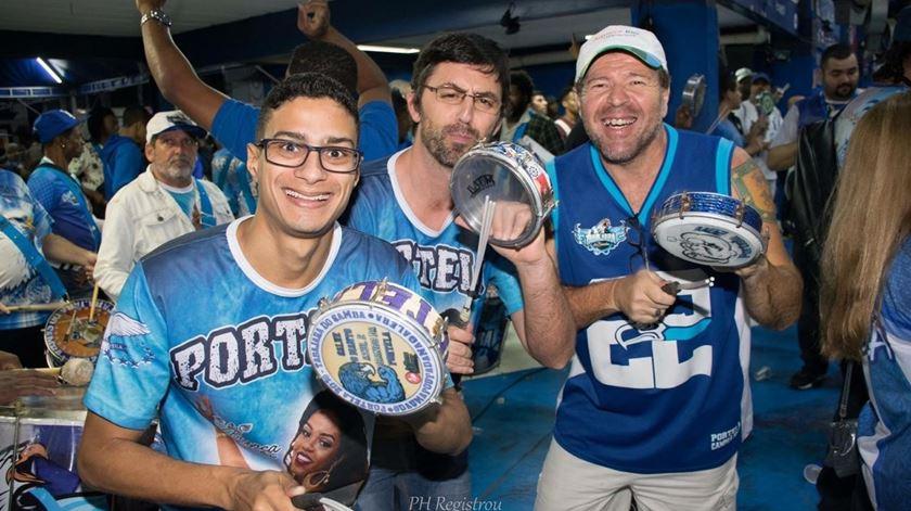 André Seixas (ao centro) prepara-se para deixar o Rio. Foto: DR