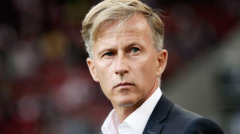 "Wolfsburgo desfere primeira ""chicotada"" da Bundesliga"